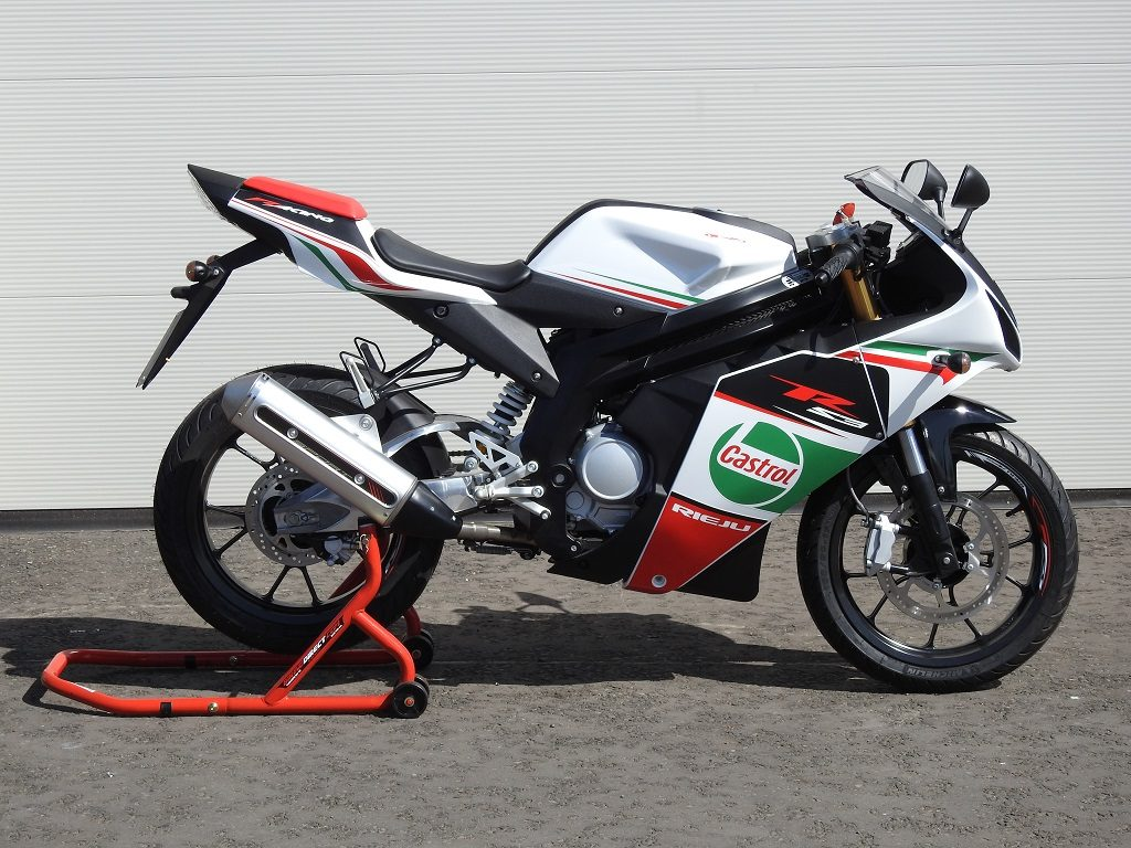 Rieju RS3 125 LC Pro - Right Side
